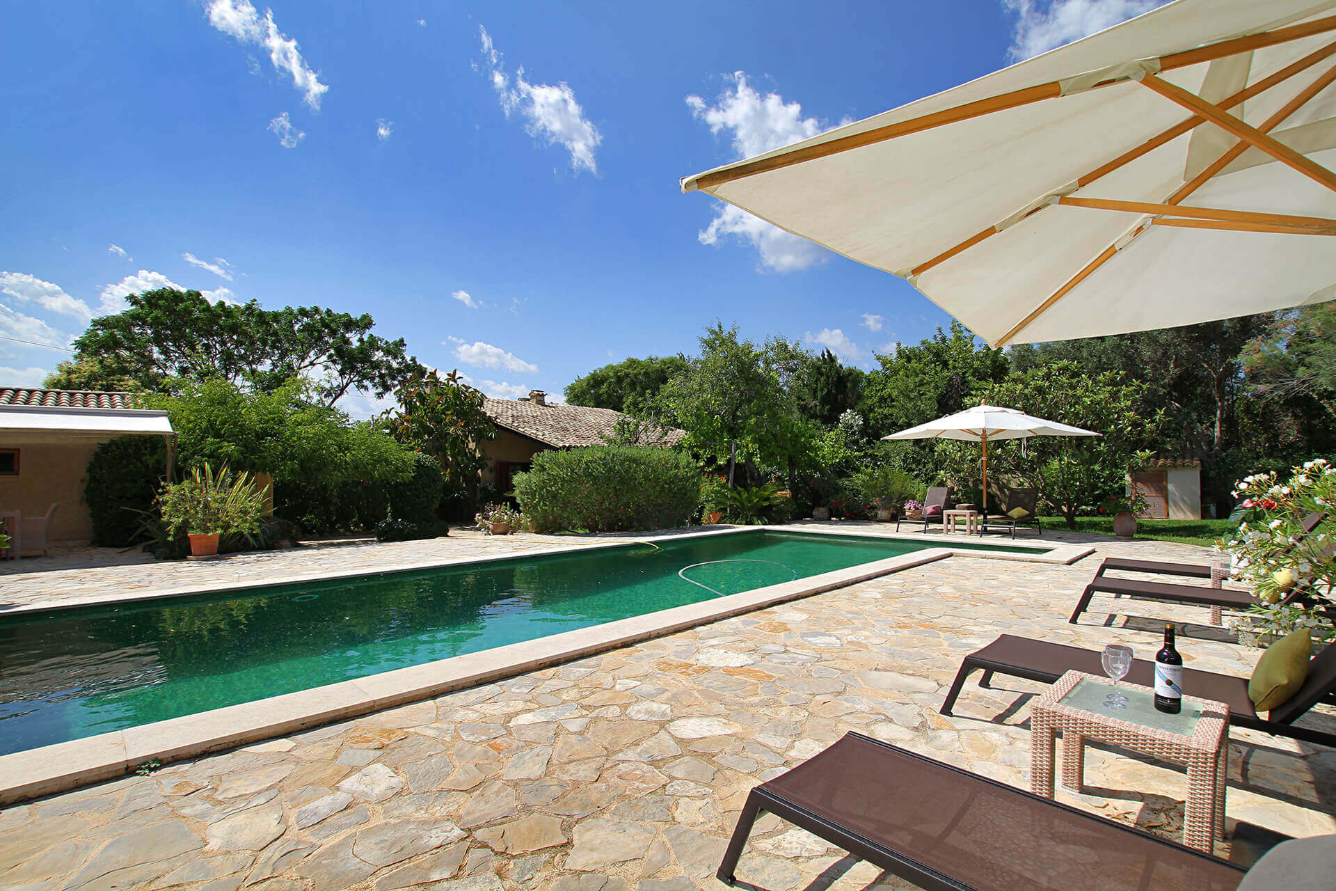 Cycling tours - Mallorca villa pool 8